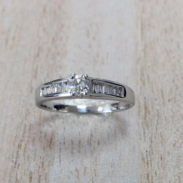 9ct White Gold Diamond Ring 0.35cts
